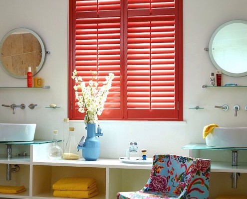 """coloured shutters in red"""